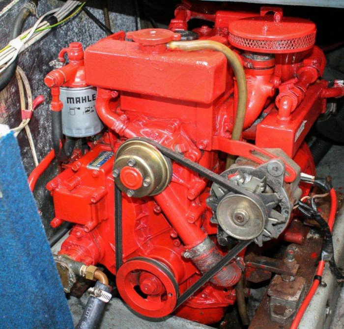 Isuzu Beta Marine 2KC1 Engine