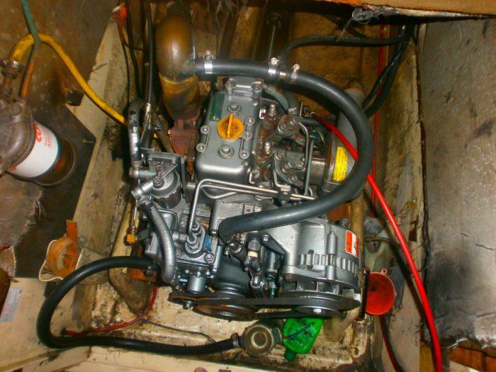 Sabre 27, Islandia II, engine
