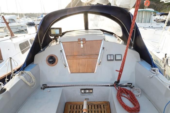 Scarab – Sabre 27 Cockpit