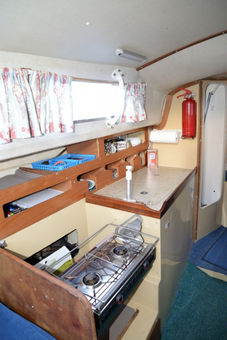Scarab – Sabre 27 galley