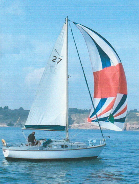 Vingt Sept under sail